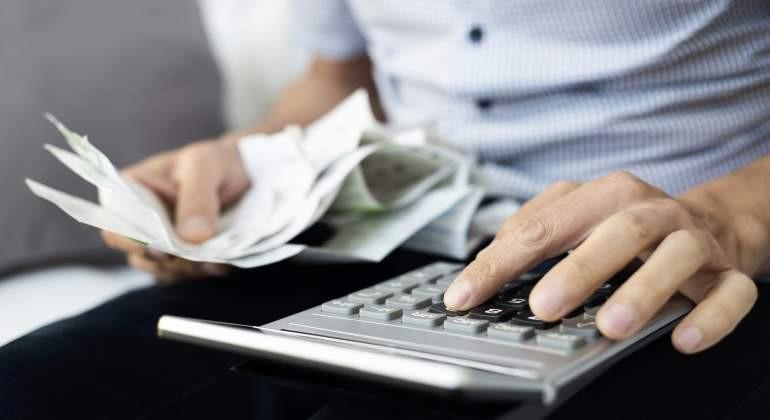 Autónomos: ¿qué debe contener una factura cuando es completa?