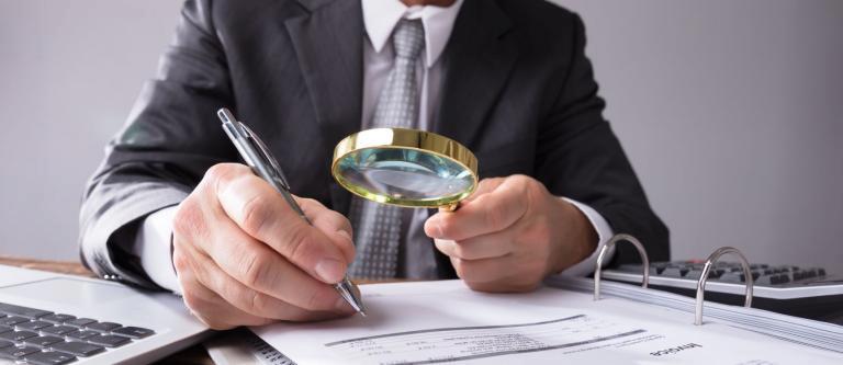 Trabajo delega en los jueces dirimir la penalización por despedir en los seis meses siguientes a un ERTE