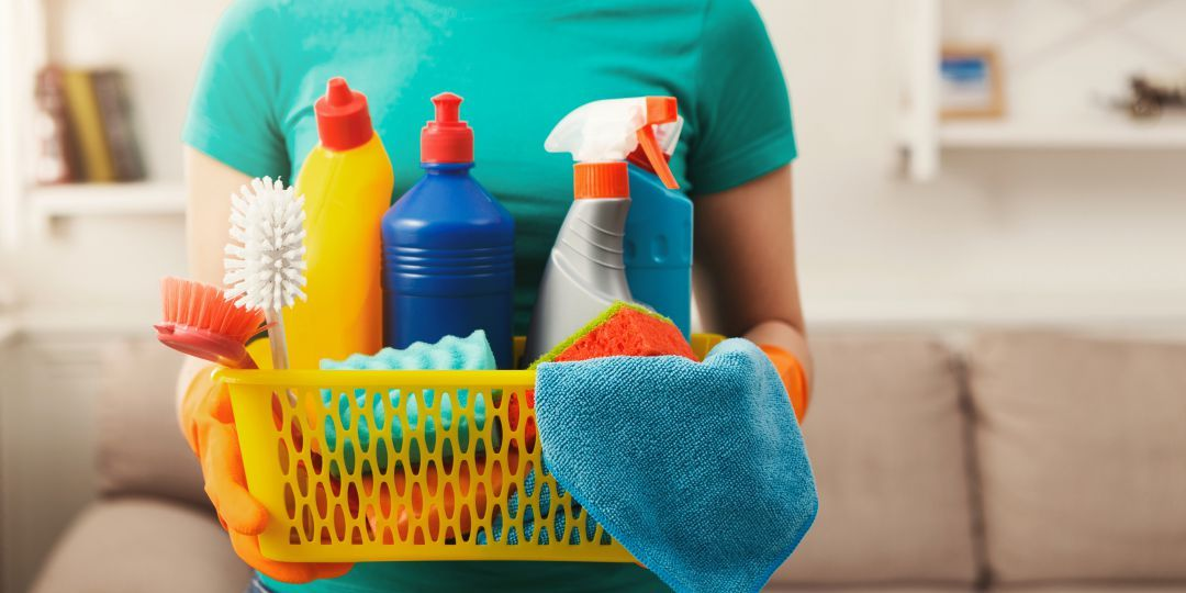 La TGSS publica una guía para actualizar los datos del salario de un empleado de hogar