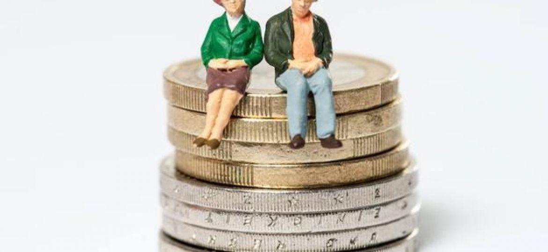 El Gobierno aprueba una primera reforma del sistema de pensiones